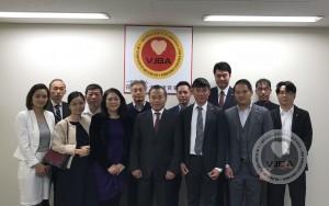 Đại sứ đặc mệnh toàn quyền Vũ Hồng Nam tới thăm và làm việc với Ban lãnh đạo Hiệp hội doanh nghiệp Việt Nam tại Nhật Bản tại Tokyo