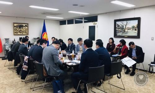 """Hiệp hội Doanh Nghiệp Việt Nam Tại Nhật Bản có buổi làm việc với Tập đoàn HITACHI và một số Doanh Nghiệp trong lĩnh vực """"Xử lý phân loại rác thải công nghiệp gia dụng, rác thải rắn""""."""